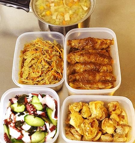 常備菜肉巻、きんぴら、酢ダコ、鶏柚子こしょう焼き、コンソメスープ