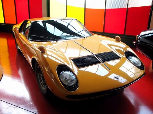 1966-Lamborghini-Miura-P400