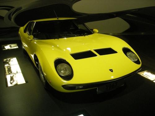 1967-Lamborghini-Miura-P400