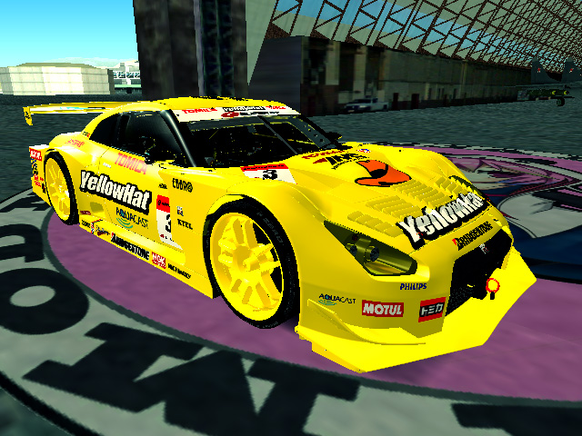 gtr_r35_yellowhat1.jpg