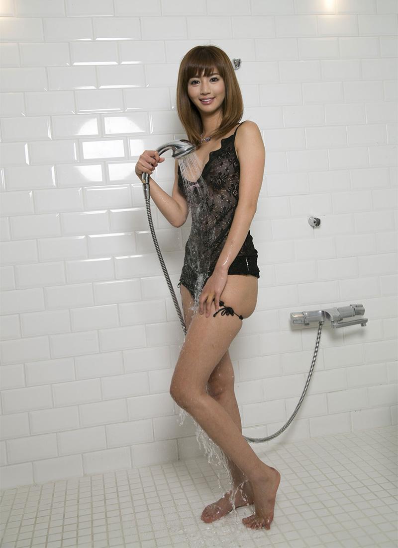 【No.23977】 シャワー / 麻生希