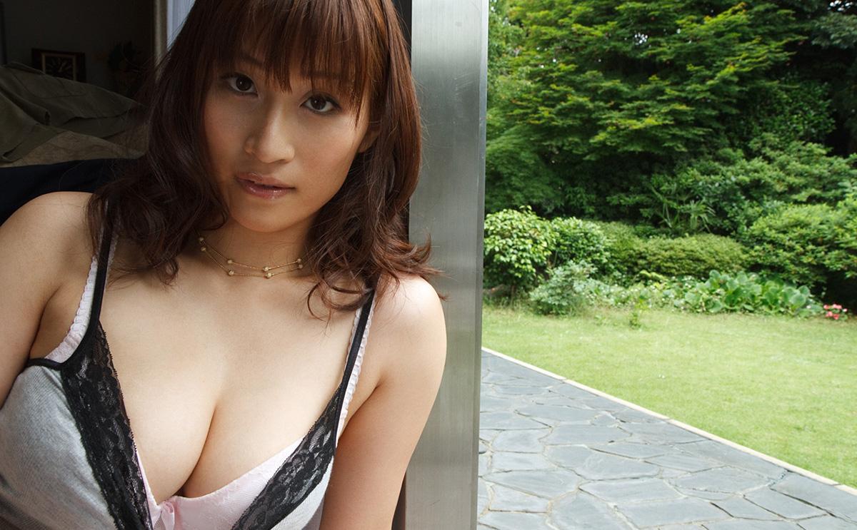【No.24764】 谷間 / 二階堂ソフィア