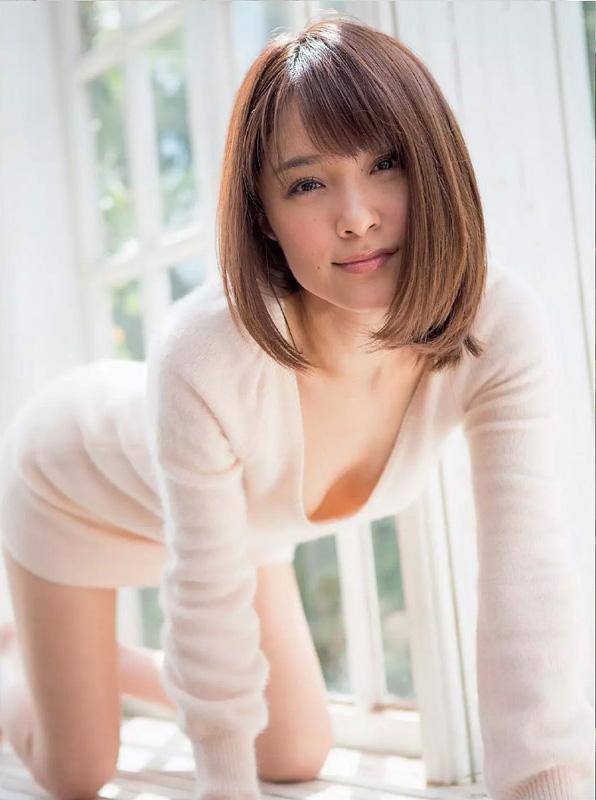 【No.25054】 綺麗なお姉さん / みひろ