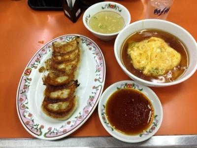 150807餃子の王将大阪駅前第2ビル店ミニ天津飯と餃子で525円