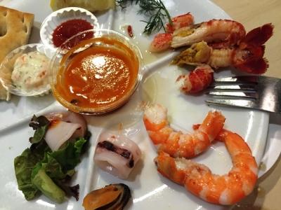 150808IKEAレストラン&カフェ鶴浜店ザリガニプレート500円サワーソースやタルタルで