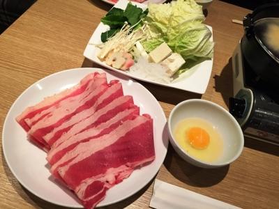 150814肉バル&すきやきブルズですき焼きランチ950円