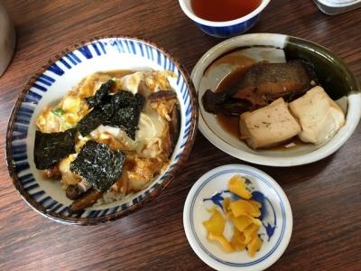 150901かつよし木の葉丼500円カレイの煮つけ200円