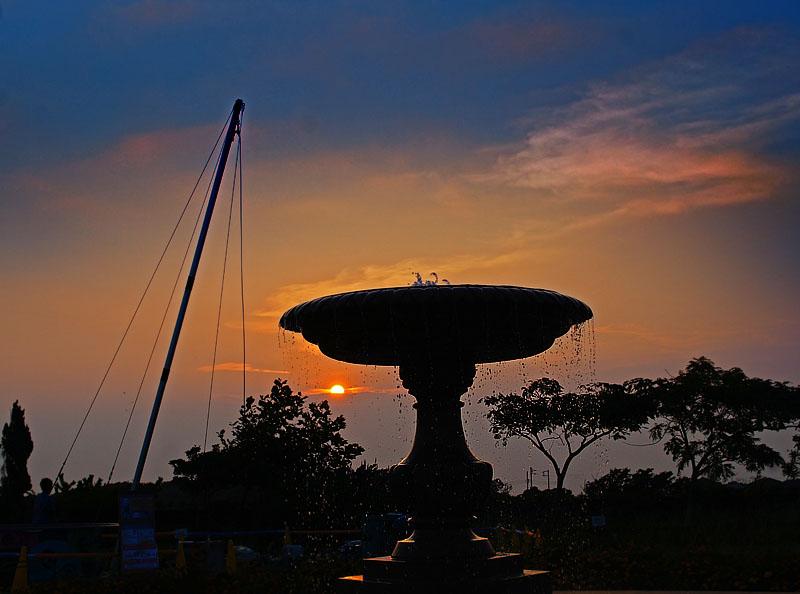 150802噴水と夕日@ソレイユの丘5