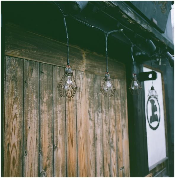 5-2-秋田2015-9-12-mamiya6-portra160-秋田駅前スナップ-17-g50-07470008_R