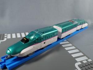 プラレール 新幹線変形ロボ シンカリオン 01 E5はやぶさ007