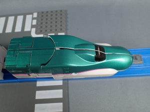 プラレール 新幹線変形ロボ シンカリオン 01 E5はやぶさ011