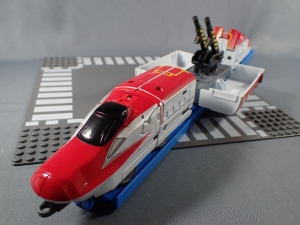 プラレール 新幹線変形ロボ シンカリオン 02 E6こまち010
