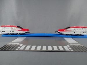プラレール 新幹線変形ロボ シンカリオン 02 E6こまち012