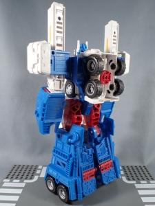トランスフォーマー レジェンズ LG14 ウルトラマグナス ロボットモード008