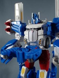 トランスフォーマー レジェンズ LG14 ウルトラマグナス ロボットモード011