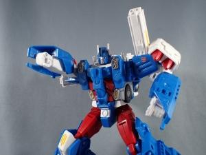 トランスフォーマー レジェンズ LG14 ウルトラマグナス ロボットモード017