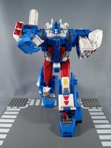トランスフォーマー レジェンズ LG14 ウルトラマグナス ロボットモード020