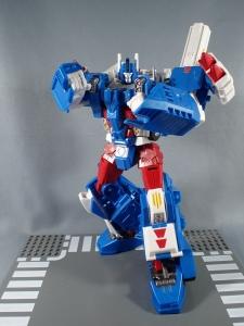 トランスフォーマー レジェンズ LG14 ウルトラマグナス ロボットモード022