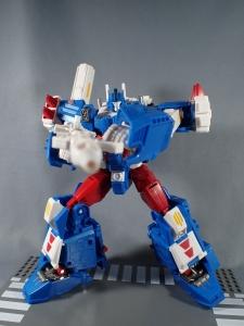 トランスフォーマー レジェンズ LG14 ウルトラマグナス ロボットモード037