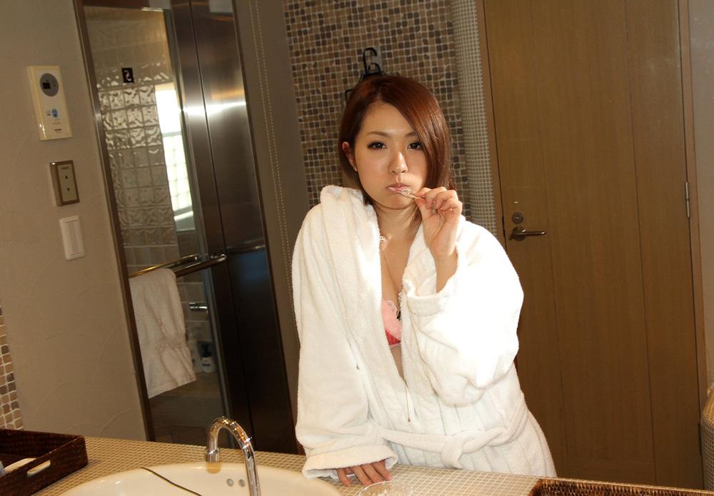 中川美香 セックス画像 22