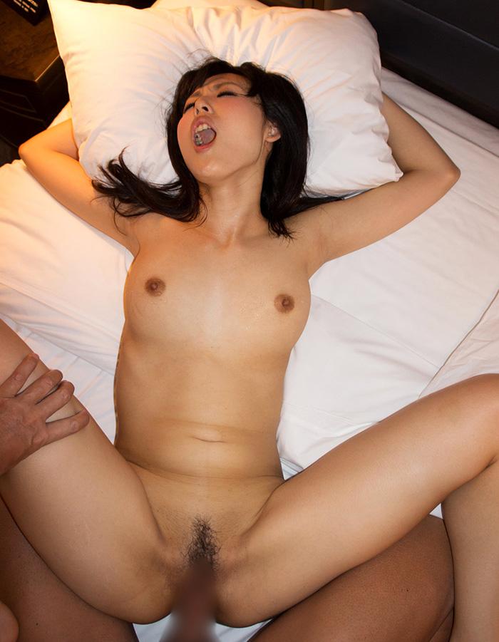 正常位 セックス画像 90
