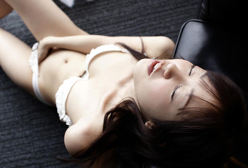 篠田ゆう セックス画像 22