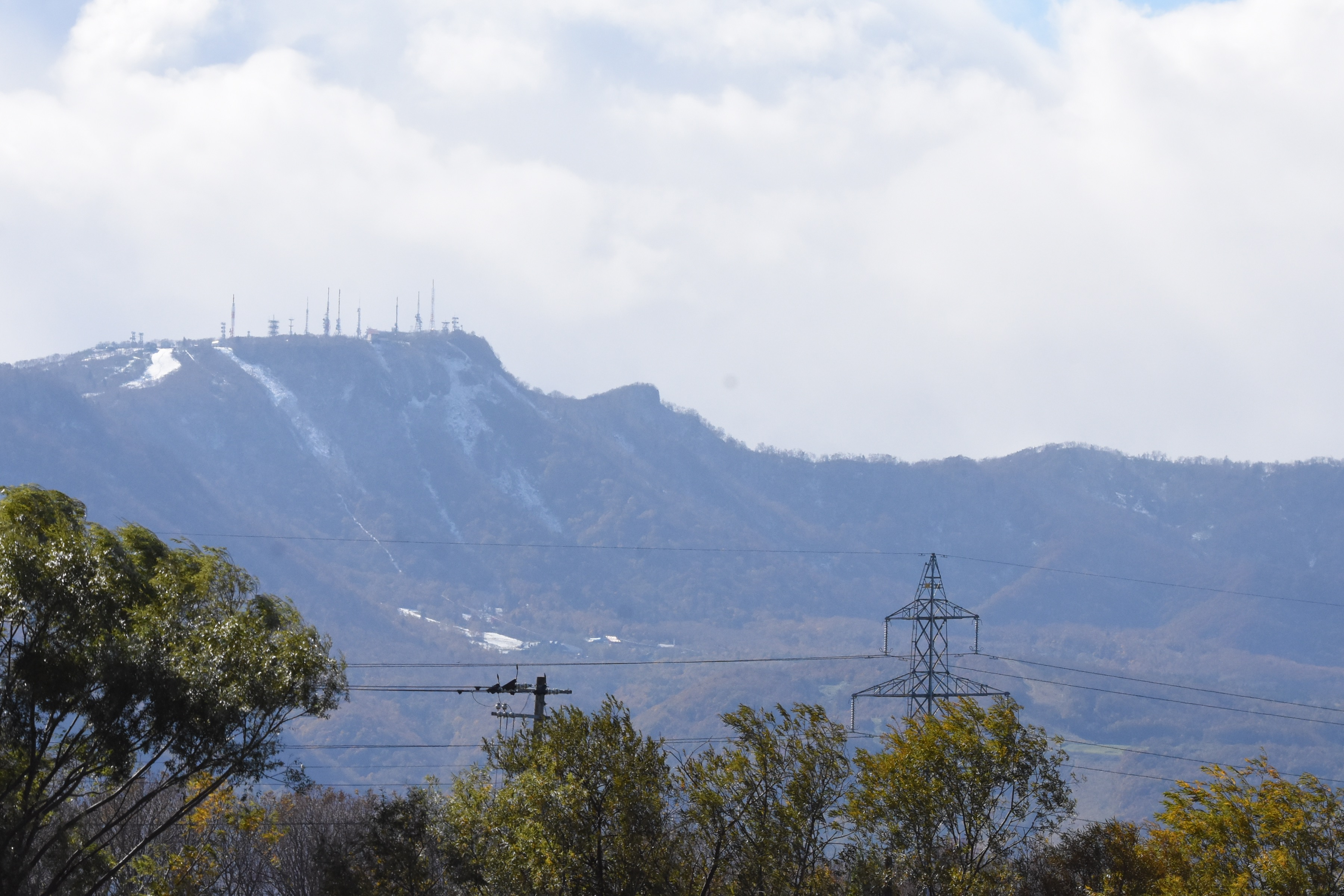 初冠雪の手稲山(2015,10月14日)