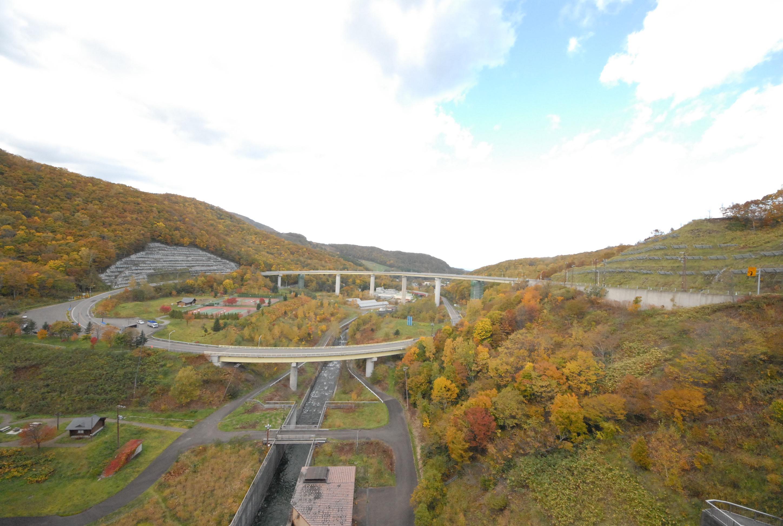 2015年10月16日朝里ダムのループ橋