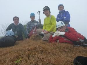 野塚岳山頂にて