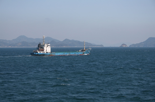 IMG_9991 釣り島水道(640x423)