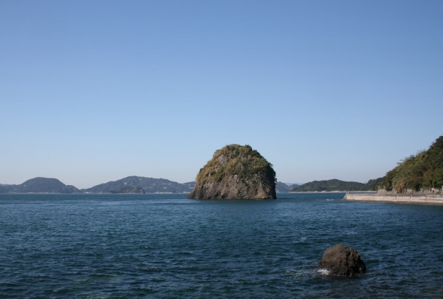 IMG_0078 岩礁が見える(640x433)