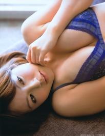 isoyama_sayaka_g098.jpg
