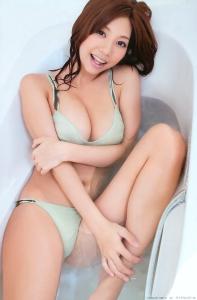 koizumi_maya_g079.jpg