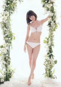 maeda_atsuko_g142.jpg