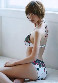 shinoda_mariko_g129.jpg