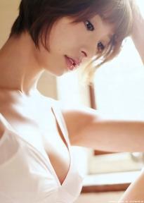 shinoda_mariko_g131.jpg