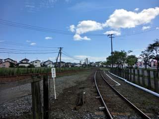 「区画街路9号踏切」から旧宮下駅方を撮影