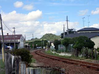 「区画街路9号踏切」から泉駅方を撮影