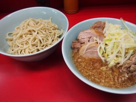 150830_中山駅前_小ラーメン_ぎょったまつけ麺_ニンニク少し_麺半分