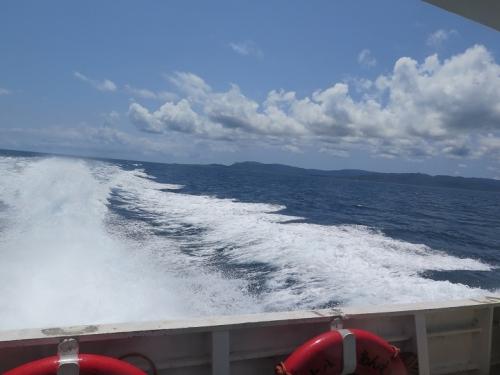 高速船より八重山の海