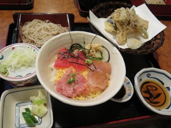 秋天ぷらまぐろ三色丼