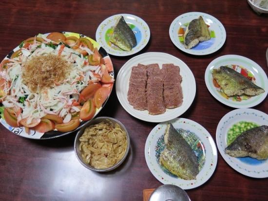 豆腐とほうれん草のサラダ、シイラのバジルソテー、コンミート