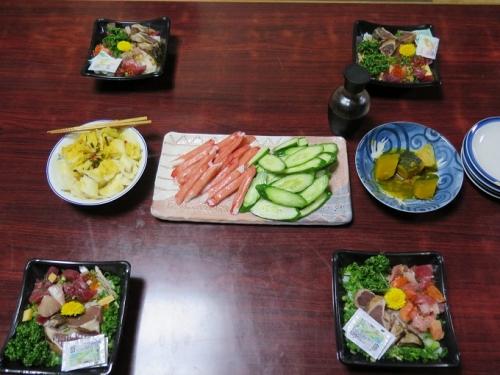 カツオ海鮮丼、大人のカニカマ、ゆず大根