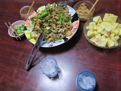 鶏の味噌野菜炒め、パイン