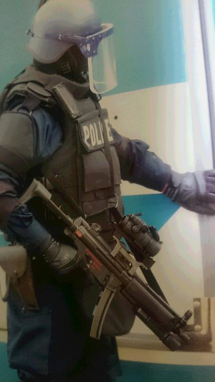 尼崎西宮芦屋港テロ対策合同訓練MP5