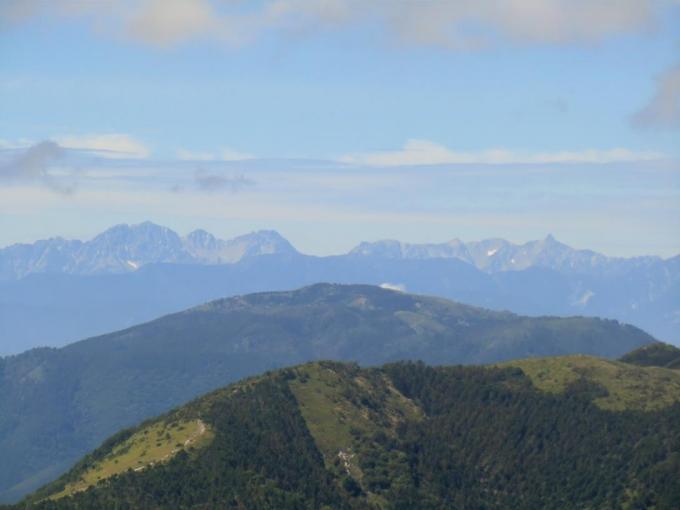 穂高連峰から槍ヶ岳、常念岳