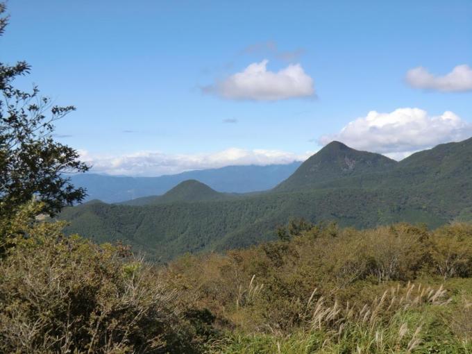鈴が岳と上州武尊山は雲の中