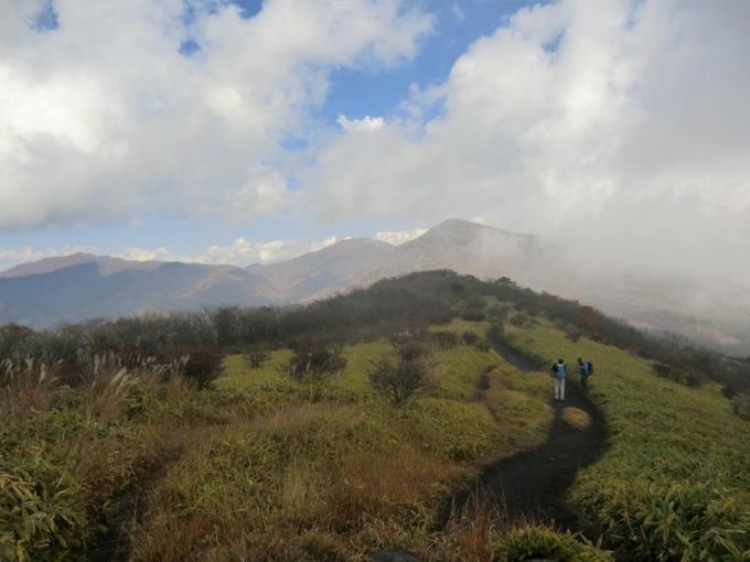 竈山より荒山、地蔵岳