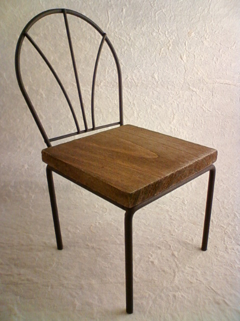 wire_wood_chair_b.jpg