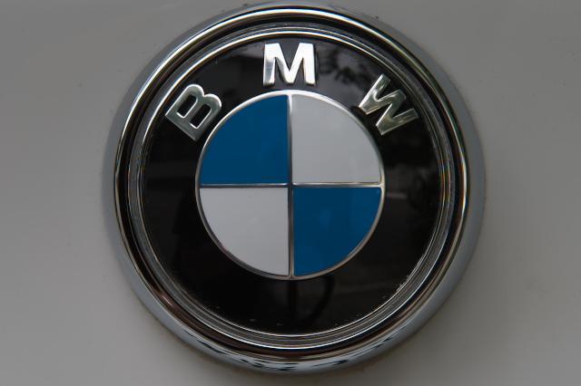 BMWエンブレム-X3